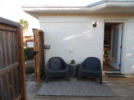 Click to enlarge image Entryway - La Perla, Gorgeous remodel, 1 BR 1 BA Cottage, Fenced Yard, Backyard Oasis -